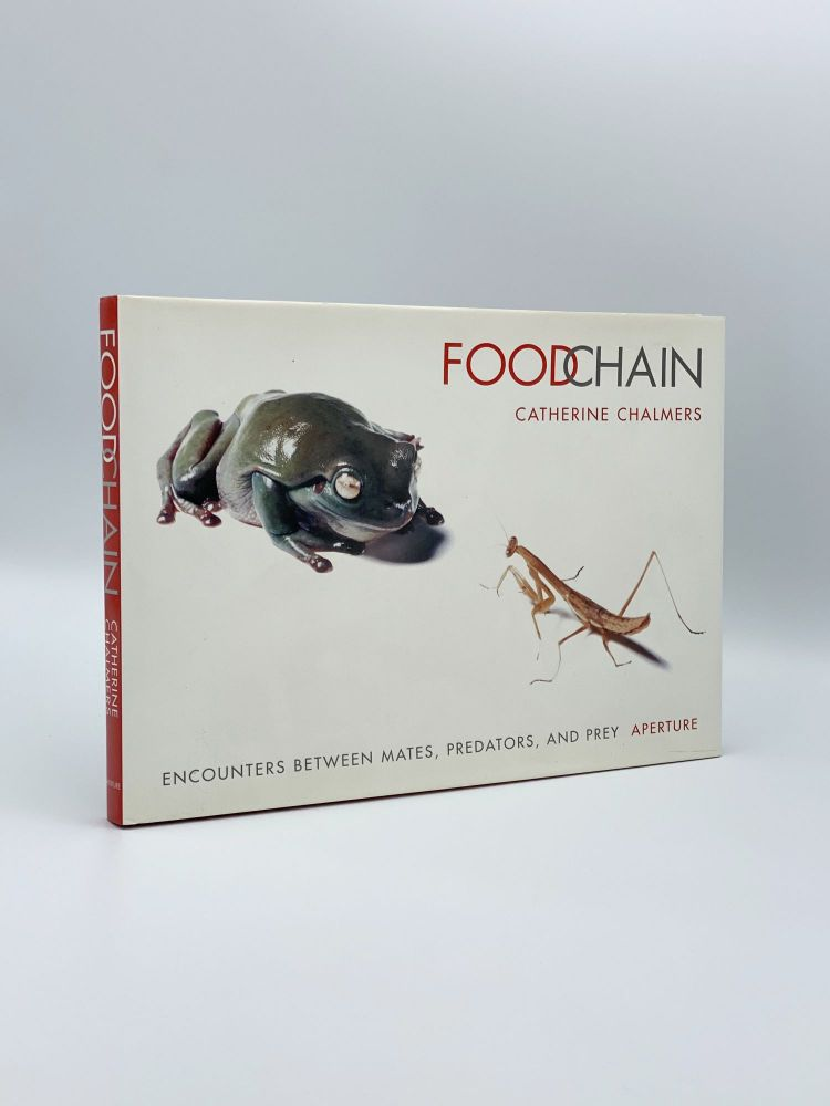 Food Chain: Encounters Between Mates, Predators and Prey. Catherine CHALMERS, Michael L. SAND.