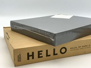 Hello, My Name is Paul Stuart [Deluxe edition]. Paul SMITH, Deyan SUDJIC, Donna LOVEDAY