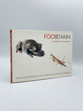 Food Chain: Encounters Between Mates, Predators and Prey. Catherine CHALMERS, Michael L. SAND